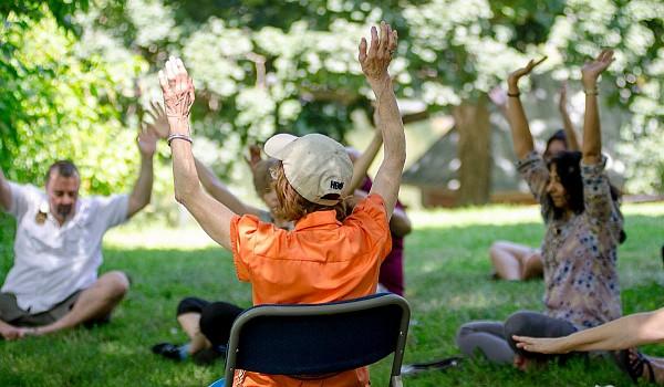 22 2016 picnic yoga07